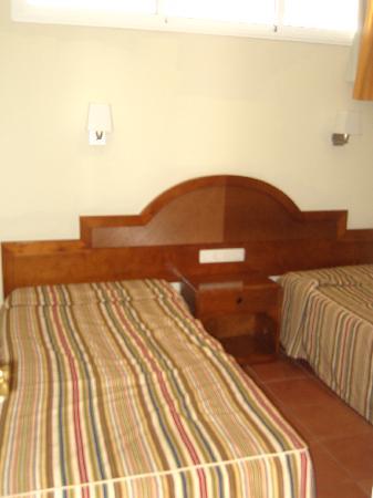 Apartamentos Dorotea: Spare room, sleeps 2.