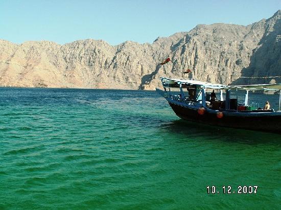 Beach Hotel by Bin Majid Hotels & Resort: Ausflugsboot Musandam