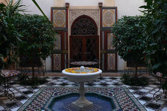 Riyad Al Moussika: Innenhof/Patio