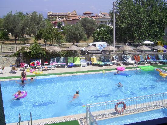 Babadan Hotel & Apartments: Babadan front pool 1