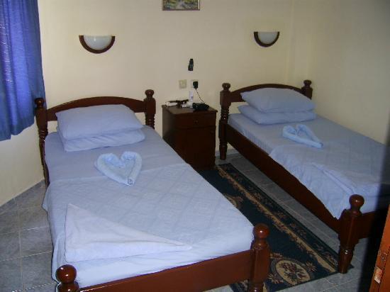 Babadan Hotel & Apartments: Bedroom at Babadan