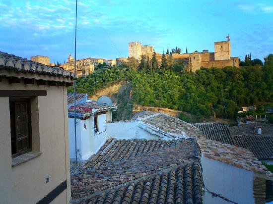 Casa Del Aljibe Guest House : View of Alhambra from room