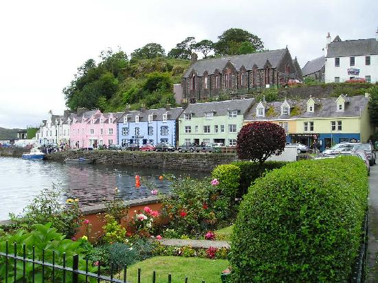 Skye, UK: Portree (on a rainy day)