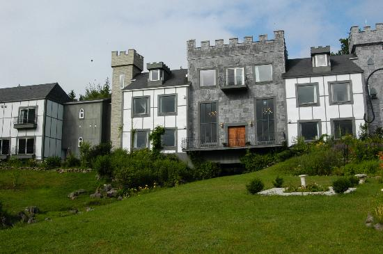 Baddeck, Canada: Faux Castle