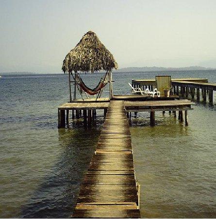Bocas del Toro, Panamá: muelle en Careneros