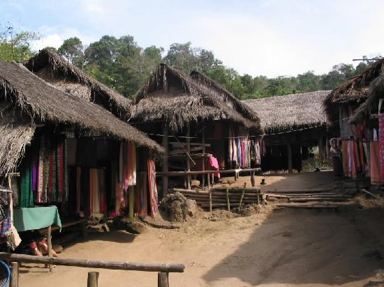 Doi Mae Salong: Mae Salong - Karen Longneck Hill Tribe Village