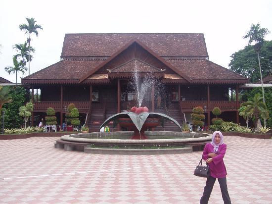 Kota Bharu, Malezya: The Handicraft Village