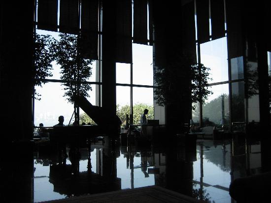 The Oberoi, Mumbai: The Lobby and Lounge