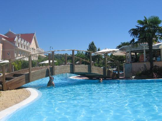 Bagno photo de gardaland hotel castelnuovo del garda - Piscina g conti verona ...