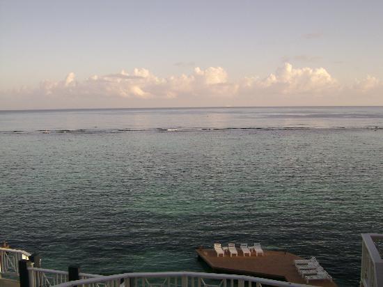 Moxons Beach Club: Sunrise
