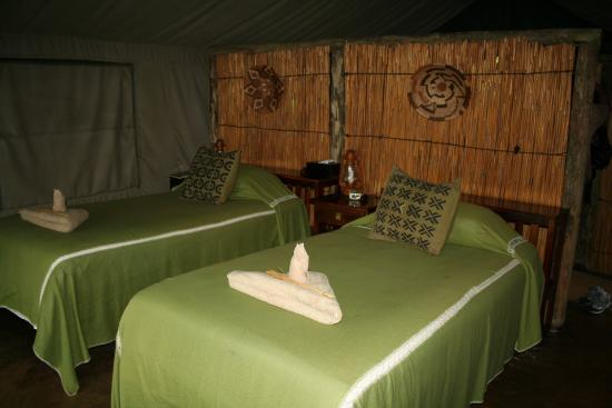 Lagoon Camp - Kwando Safaris: Inside tent