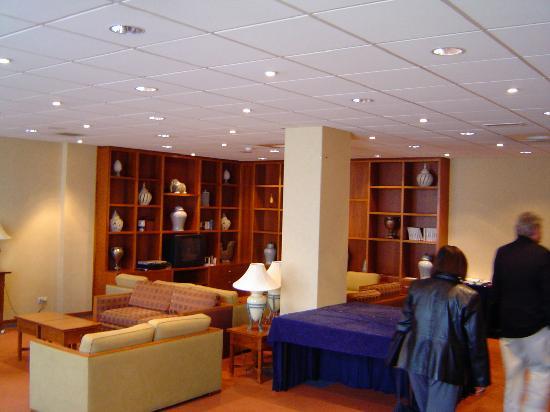 NH Amsterdam Noord: lobby
