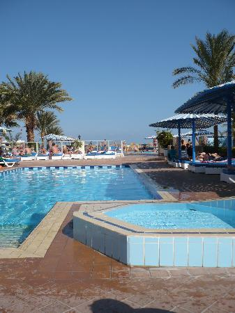 Triton Empire Beach Resort: One of the pools
