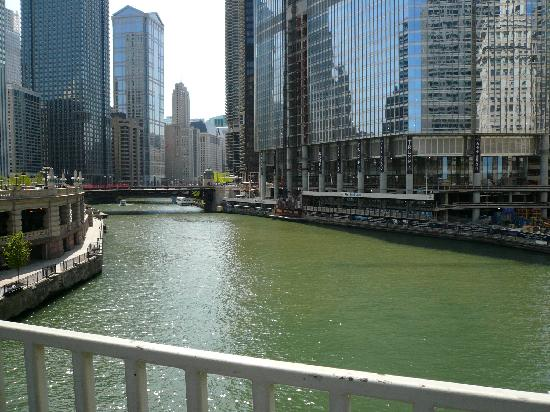 Chicago Marriott Downtown Magnificent Mile : Chicago river off of Michigan Ave