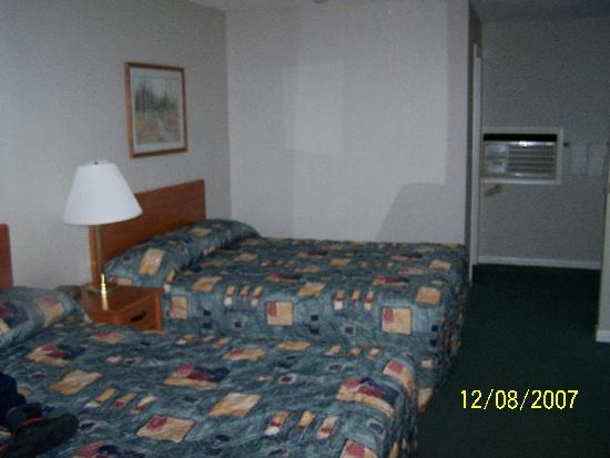 Royalty Inn: dbl bed room