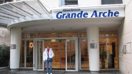Sejours & Affaires Grande Arche: Dec 2007, just excellent!