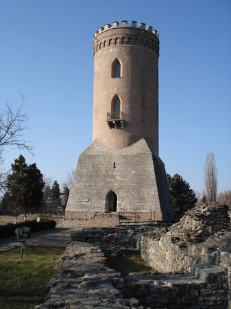 Chindiei Tower (Sunset Tower)