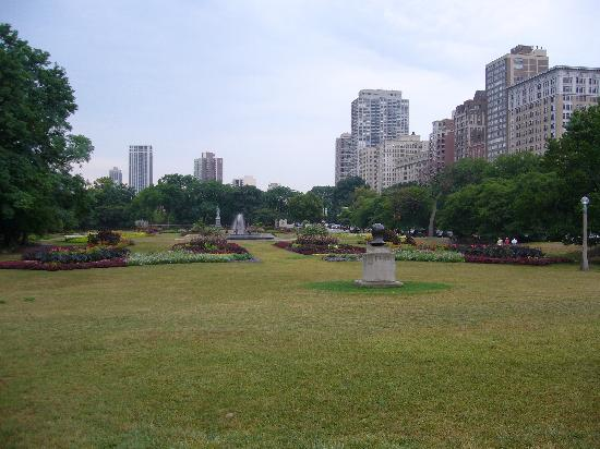 Lincoln Park Conservatory: Nice Park