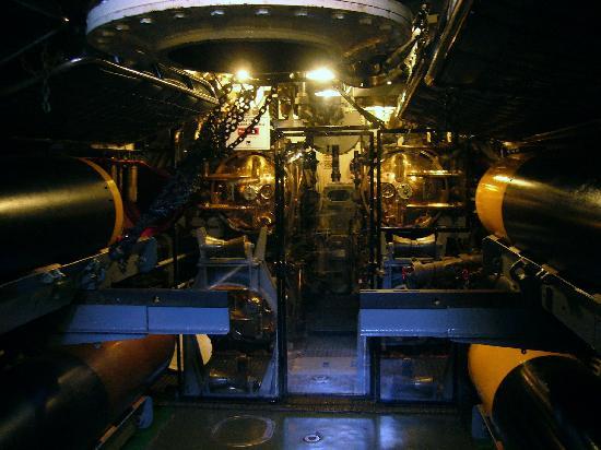 USS Pampanito: Torpedo tube