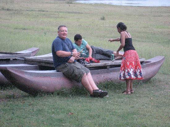 Amaya Lake: Relaxing by the lake