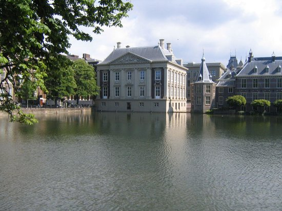 The Hague, The Netherlands: Museum Mauritshuis on the Hofvijver