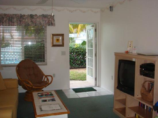 An Island Getaway at Palm Tree Villas: villa 23 - view towards front door, pool area