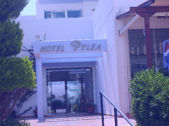 Pylea Beach Hotel: The Hotell