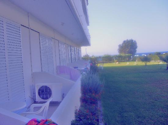 Pylea Beach Hotel: Hotell view
