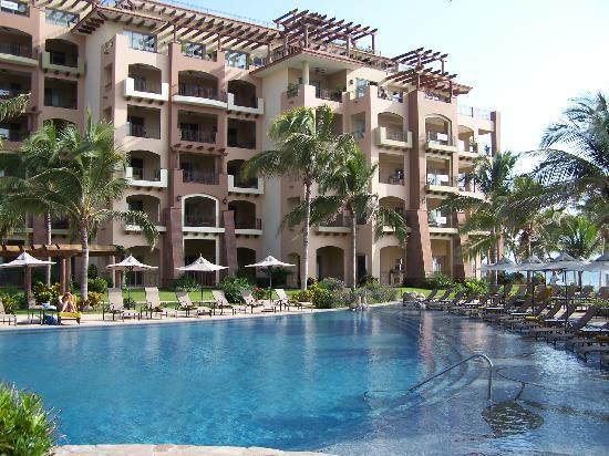 Villa La Estancia : looking from the pool