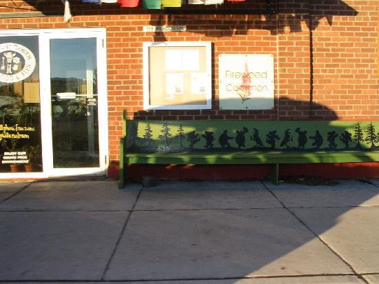 Gunflint Tavern : The GD bench outside