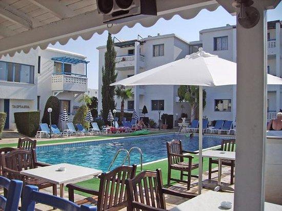 Tasmaria Hotel Apts: pool