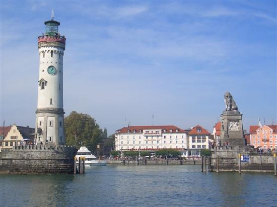 Hotel-Gasthof Schwanen: Lindau harbour