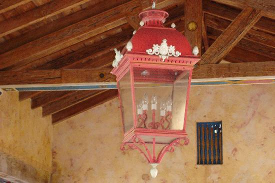 Корал-Гейблс, Флорида: light fixture