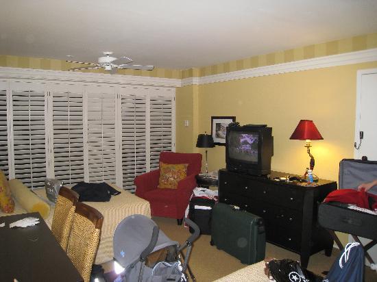 Portola Hotel & Spa at Monterey Bay: Deluxe room a bit messy