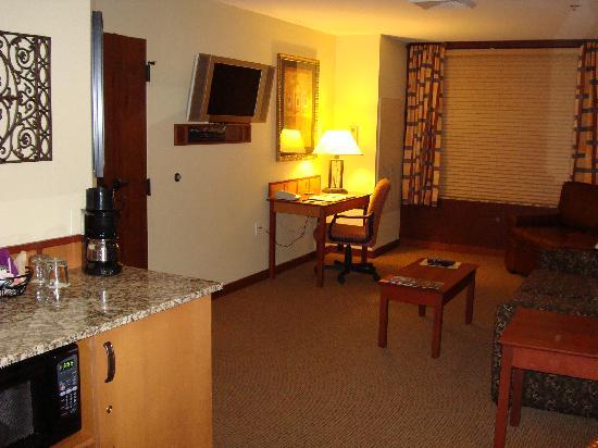 CopperLeaf Hotel : Living area