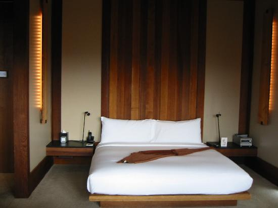 Amangani: bed area
