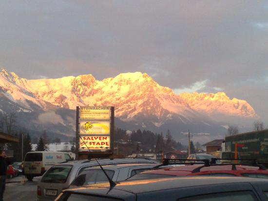 Hotel Gaensleit: mountains before dusk