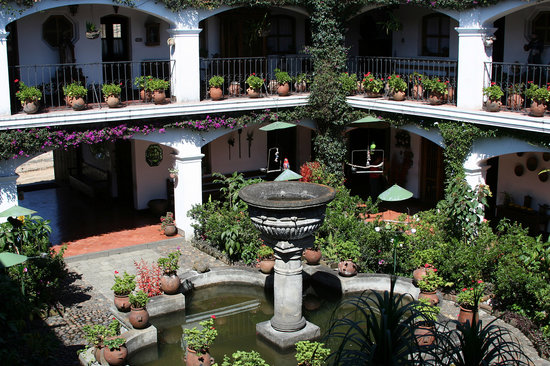 Santo Tomas Hotel: Interior Court, 3