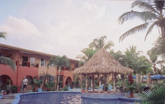 Pueblo Real: View of the Pool and the hotel