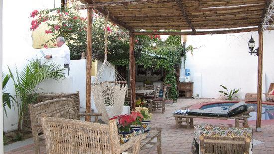 Baja Bed and Breakfast: Courtyard Baja B & B
