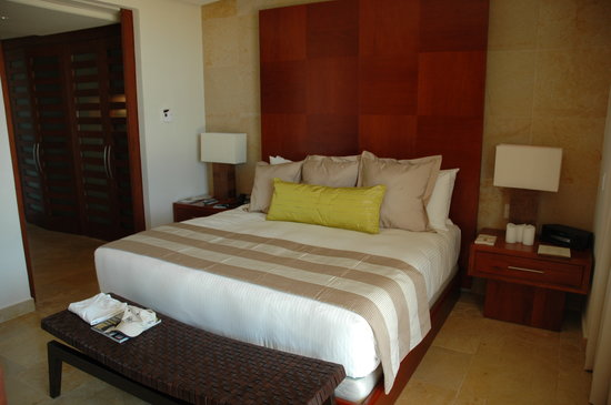Rosewood Mayakoba: Really comfy beds, beautiful decor