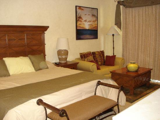 Villa La Estancia: Master Bedroom