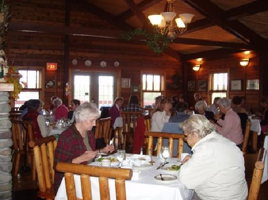 Bras d'Or Lakes Inn: dining room