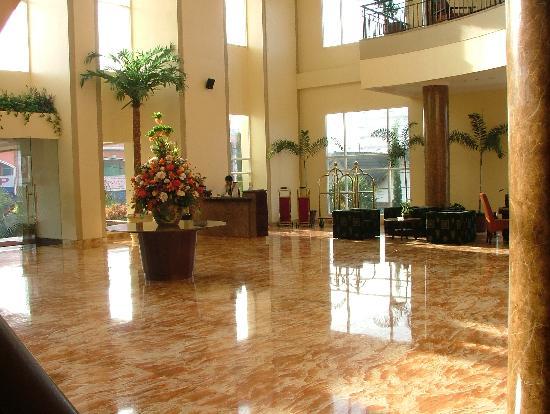Grand Wahid Hotel Salatiga: Lobby, Quality Wahid