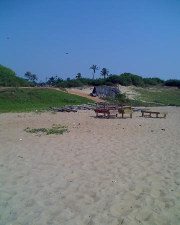 Candolim Beach: This is where the Goan Hut was Nov 2006 not started building Nov 2007