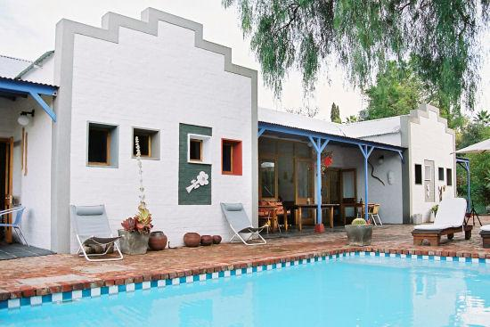 Karoo Retreat : Outside and Pool area of Shades of Africa