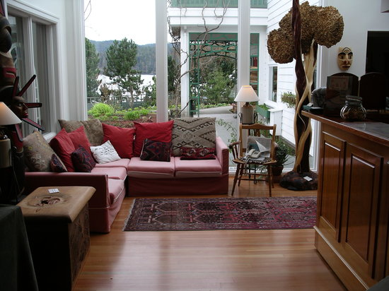 Sooke Harbour House: Sitting area