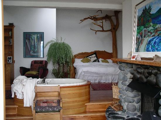 Sooke Harbour House Resort Hotel: The room
