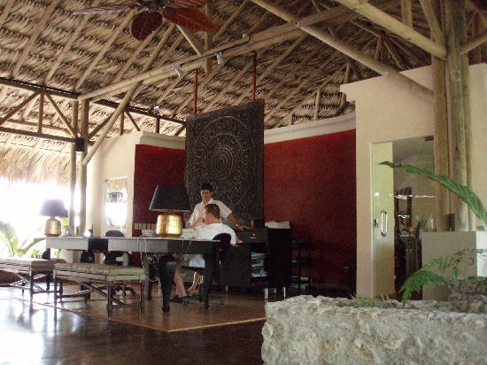 Arenas del Mar Beachfront and Rainforest Resort, Manuel Antonio, Costa Rica: Lobby