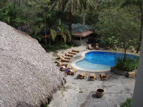 Arenas del Mar Beachfront & Rainforest Resort: Upper Pool
